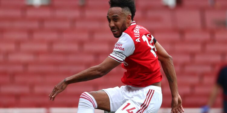 Arsenal rout Norwich to boost European hopes