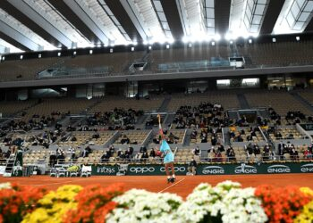 French Open spectator capacity capped at 35 percent due to COVID-19