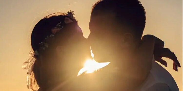 #WorldKissingDay: Before you go kissing just anyone, read this: